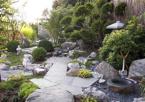 hanggestaltung pflegeleicht der steingarten nur steine im garten