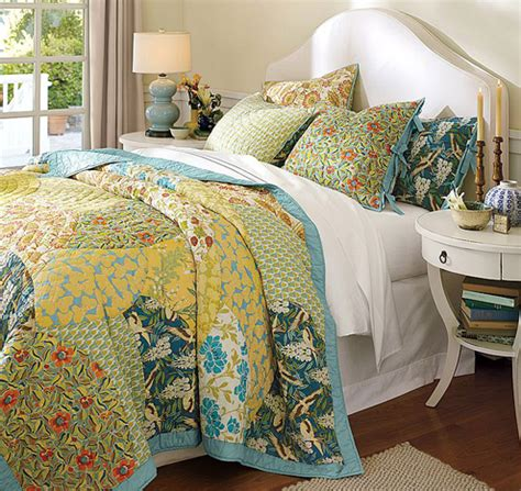 Pottery Barn Scalloped Organic Patchwork Quilt - organic cotton springtime bedding favorites