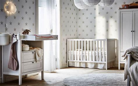 schlafzimmer und babyzimmer in einem sundvik wickeltisch kommode und sundvik babybett in wei 223