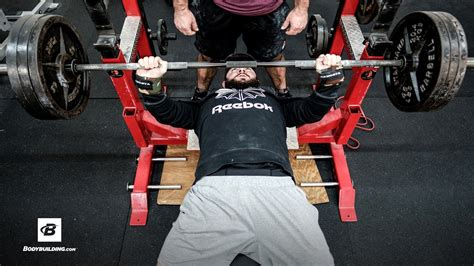 increasing bench press max how to increase your bench press 3 common mistakes