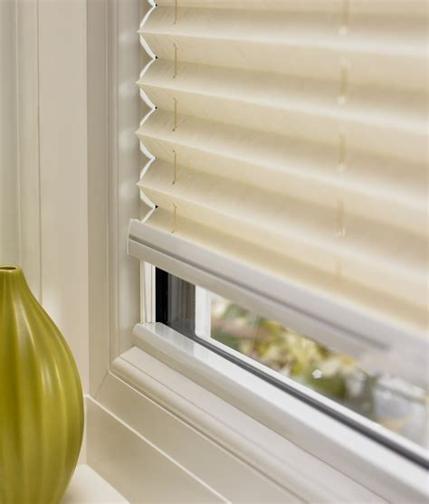 Pleated Shades For Windows Decor Pleated Shades For Windows Decor Picture Of Decorate Windows With Pleated Blinds Blinds And