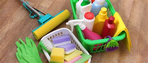 home cleaning services how to choose a home cleaning service viola cleaning