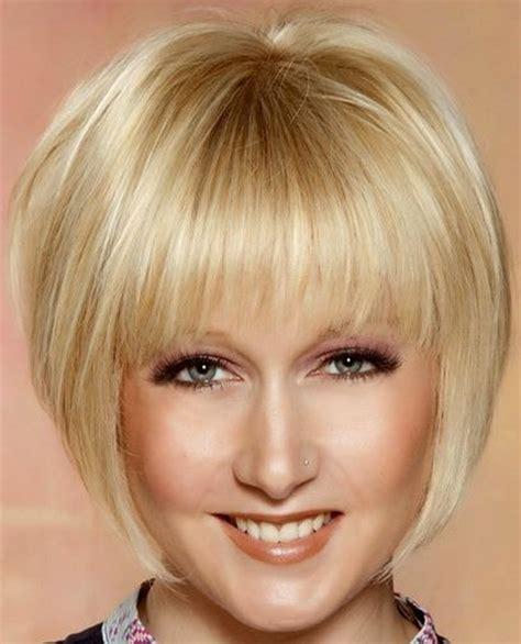 fryzury po 50 modne fryzury damskie po 50