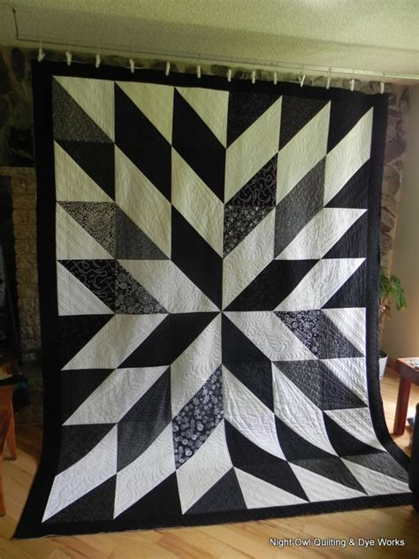 Black White Quilts owl quilting dye works black and white hst quilt