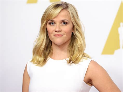 Reese Witherspoon - oscars 2015 reese witherspoon preps for academy awards