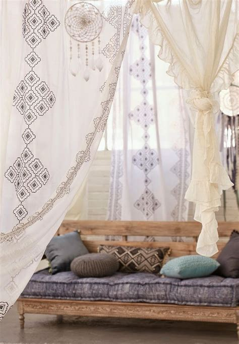 boho chic home decor 1000 ideas about bohemian bedrooms on