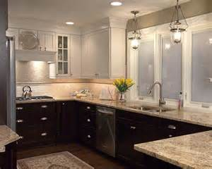 two toned kitchen cabinets 1000 ideas about two toned cabinets on best