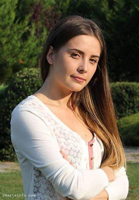 Turki Hml 08 foto profil selin sezgin pemeran melek di elif serial drama turki wartainfo