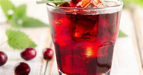 Side Effects Of Cranberry Juice Detox by Does Cranberry Juice Help To Detox The Liver Livestrong