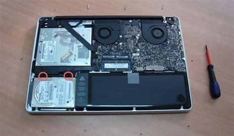 Hardisk Ssd Macbook Pro montare disco ssd intel x25 m g2 nel nuovo macbook pro porta una maggiore velocit 224