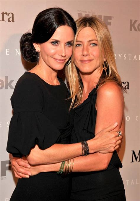 That Aniston Courteney Cox Isnt Really by Aniston Worried Bff Courteney Cox Is Focusing