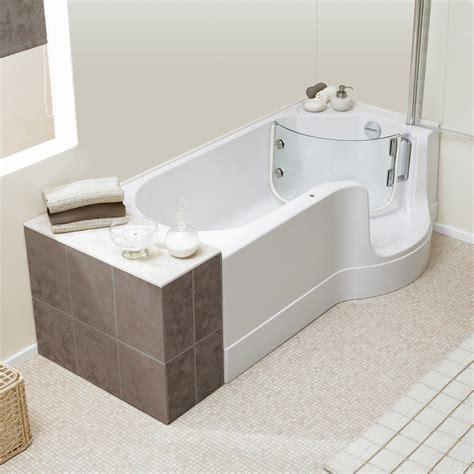 badewanne duschzone schr 246 der pazifik badewanne mit duschzone ausf 252 hrung
