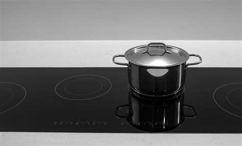 pulire piano cottura induzione come pulire il piano cottura a induzione in poche semplici