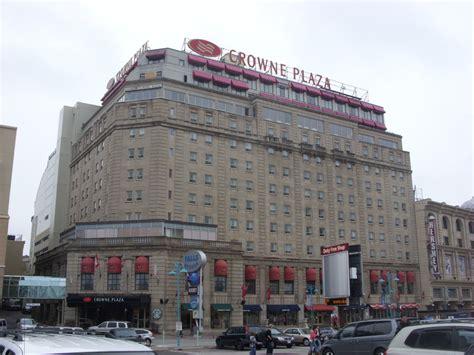 crown plaza description crowne plaza niagara falls fallsview jpg
