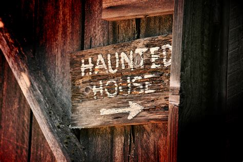 scariest haunted houses in america the top 10 scariest haunted houses anywhere in america homes com