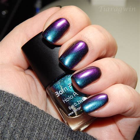The Nail Designs 9 beautiful holographic nail designs that are easy to
