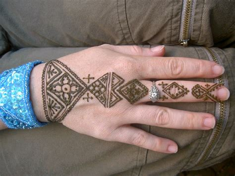 easy henna tattoo 42 simple fingers tattoos
