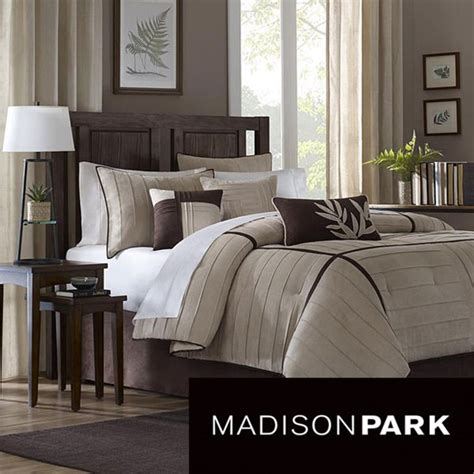 master bedroom comforters best 25 master bedroom design ideas on pinterest master