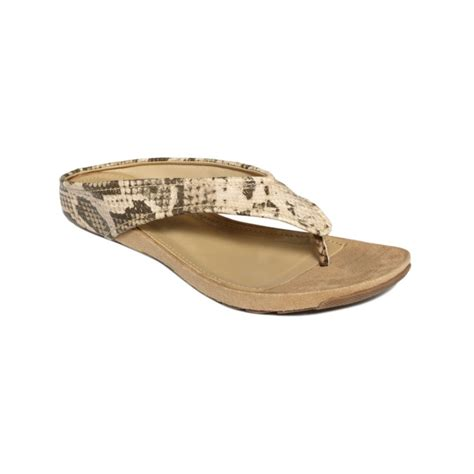 kenneth cole flat shoes kenneth cole reaction water park flat sandals in beige
