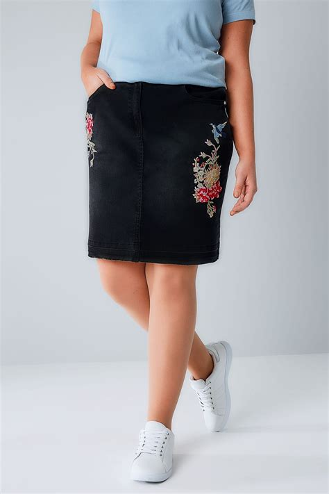 Napoclean Strong By Nry Fashion black denim skirt with floral embroidery hem plus