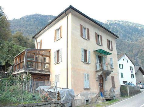 immobile 24 wohnung 5 zimmer dachwohnung in 2 familienhaus mit garten