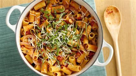 healthy vegetarian spaghetti recipe healthy vegetarian pasta with spicy tomato sauce recipe
