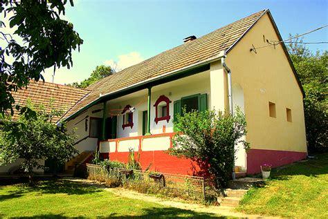 een huis kopen een huis kopen in hongarije maar eerst huren via