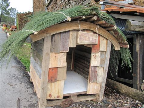 old dog house in the doghouse casalinho casalinho