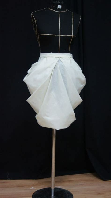 Draping Fabric On Dress Forms Draping On A Dress Form Skirt Design Developing Shape