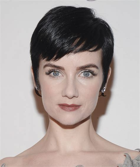 Victoria Summer Short Straight Formal Pixie Hairstyle with