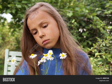 daisy model preteen preteen girl daisy image photo bigstock