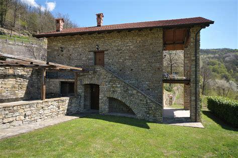 casa rustici casa rustico cortile accomodation piedmont holidays