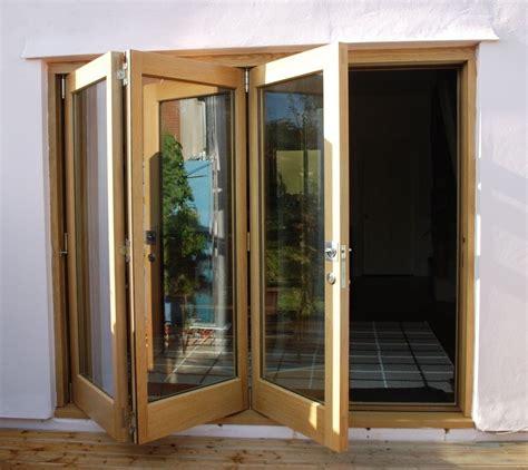 folding doors  open  doors  progress  lock