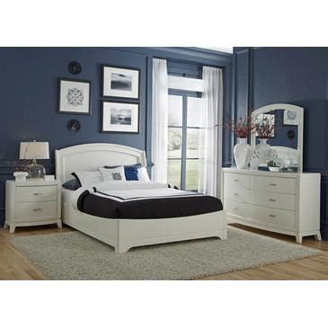 lakeshore white platform bedroom set from avalon furniture liberty furniture avalon platform bed dresser mirror