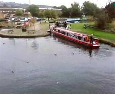 badly driven narrow boat crashes into canal basin walls - Canal Boat Crash