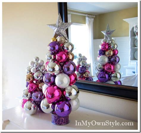 christmas tabletop ornament tree using a knitting needle