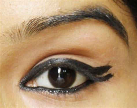 eyeliner tutorial bottom how to apply double winged eyeliner
