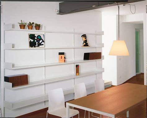 immagini librerie moderne libreria a muro modulare in metallo laccato per