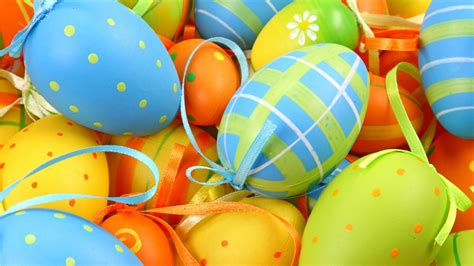 colorful easter wallpaper colorful easter eggs wallpapers 1366x768 305653
