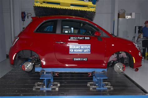 fiat 500 crash test results 2012 fiat 500 minicar named iihs top safety despite size