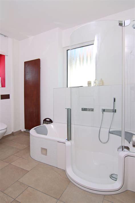 dusch badewannen besonders f 252 r kleine und barrierefreie b 228 der praktisch