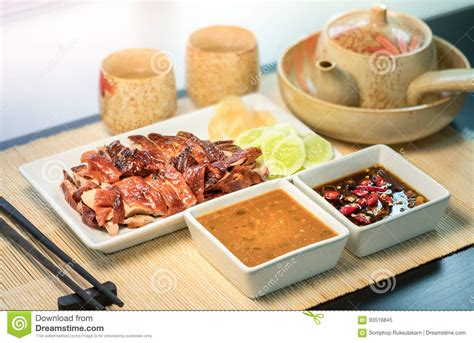 Duck Meal Mat Untuk Bayi 6 roasted duck with sauce served white plate on bamboo mat stock image image 93516845