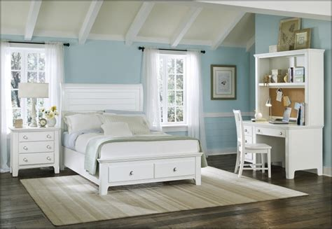White Seaside Bedroom Furniture by White Style Bedroom Furniture Bedroom And Bathroom