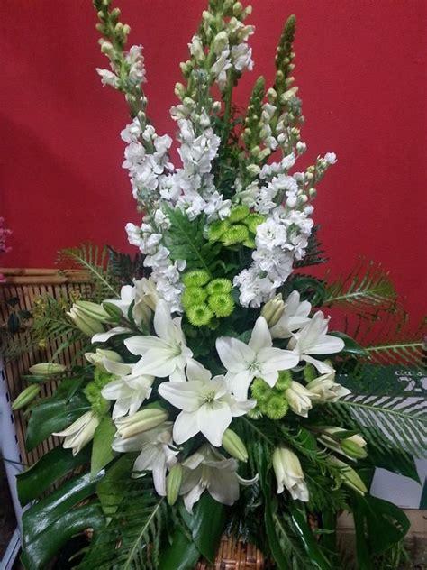 arreglos florales para confirmacion en iglesias 17 mejores ideas sobre arreglos florales funerarios en