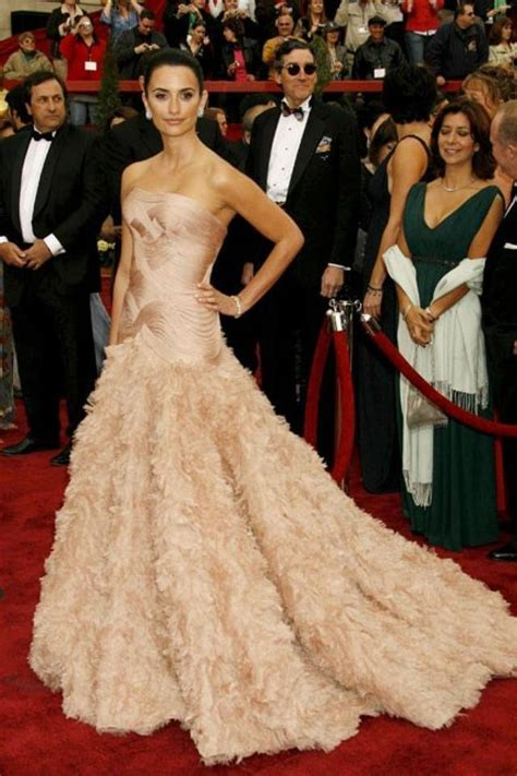 Which Of Penelopes Oscar Dresses Was The Most Fab by Oscars Fashion All Time Best Dresses On The Oscars Carpet