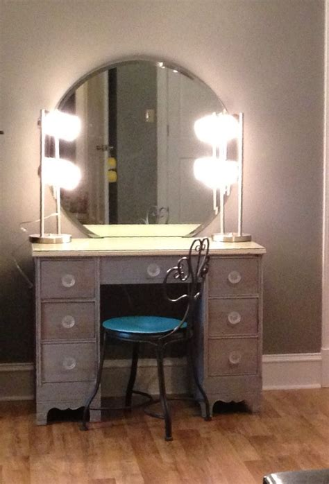 Light Up Vanity Table Diymakeupvanity Refinish Desk 2 Ls From Wal Mart Wall Mounted Mirror From Ebay Knobs