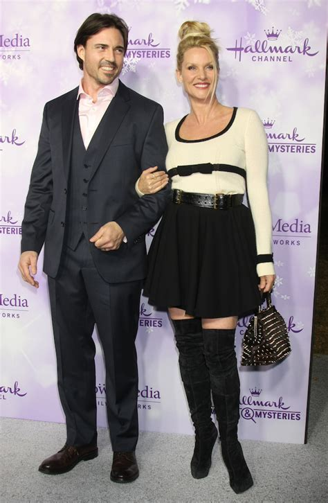 nicollette sheridan is married to dlisted hallmark winter 2016 tca press tour arrivals