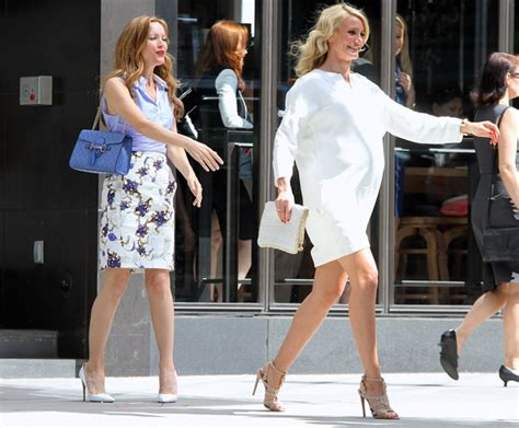 Cameron Diazs Fendi To You Purse by Cameron Diaz And Leslie Mann Carry Stella Mccartney And