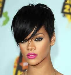 rolling hair styles rihanna s hottest short hairstyles