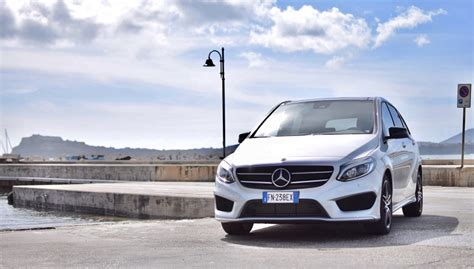 al volante mercedes classe b panoramauto it notizie foto test auto e moto